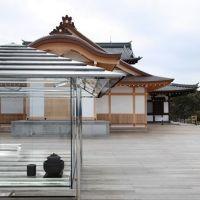 KOU-AN Glass-Tea House, il progetto di Tokujin Yoshioka per una casa del tè sorprendente