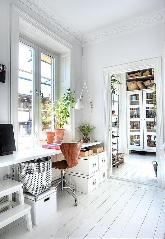http://www.skinnymetea.com.au/blogs/smtblog/16226808-feng-shui-your-desk