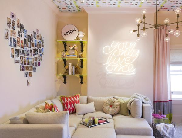 neon-colore-naturale-scritta-corsivo-applicato-direttamente-su-muro