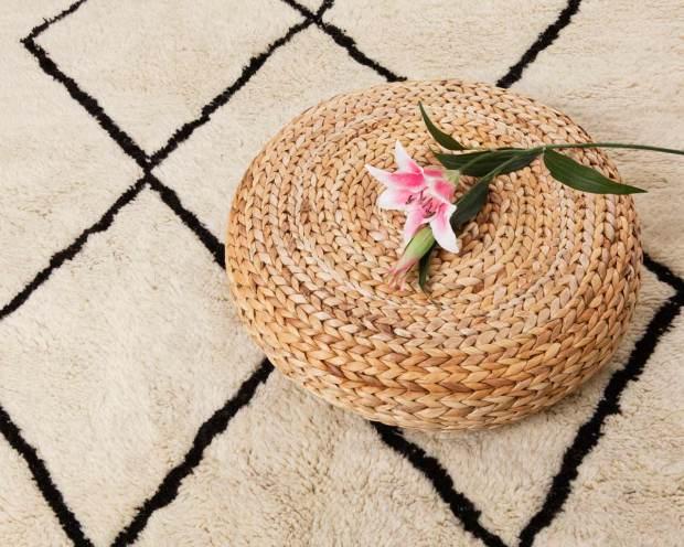 BENI-OURAIN-fiore-tappeto-di-lana-naturale