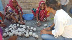 Lavorazione tappeti in feltro, India